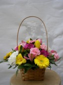 Tavaszi virágkosár