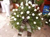 Fehér rózsa koszorú